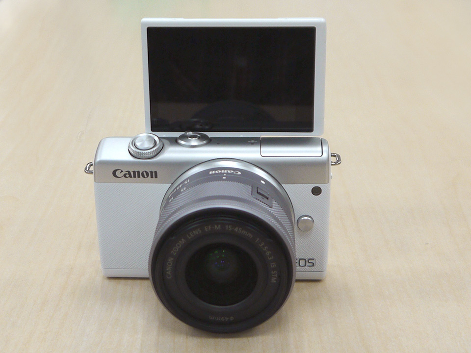 EOS M200・EF-M15-45 IS STM レンズキット